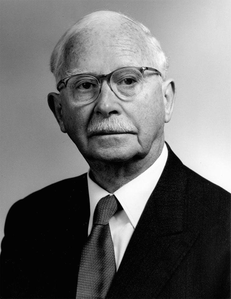 Хирург-офтальмолог Гарольд Ридли (1906-2001)